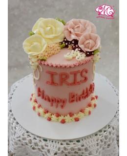 Q004 白、粉紅攻瑰蛋糕 約5吋1.5磅